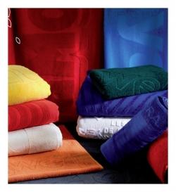 Jacquard personnalisé en relief sur essuie-mains, serviettes et draps de bain sur mesure